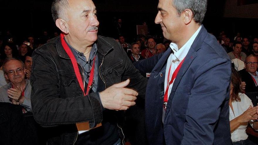 """El líder de UGT dice que el plan de austeridad fue """"a espaldas de los gallegos"""""""