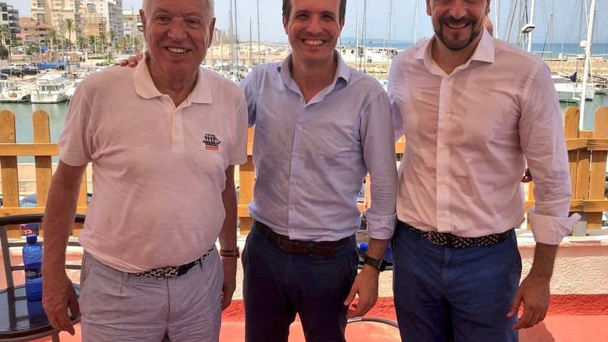Margallo y Cabanes muestran su apoyo a Casado, que insiste en que si gana, integrará la candidatura de Santamaría