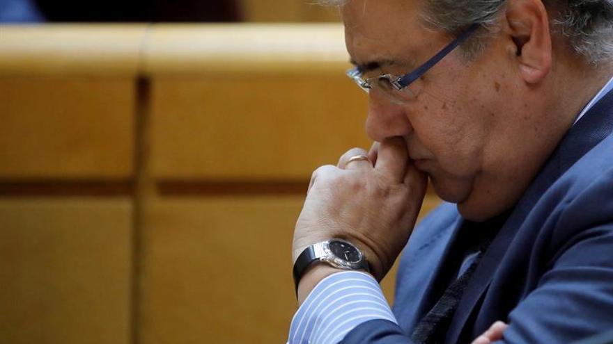Zoido obsequia a Rajoy y los ministros con aceite Ybarra para apoyar a la empresa