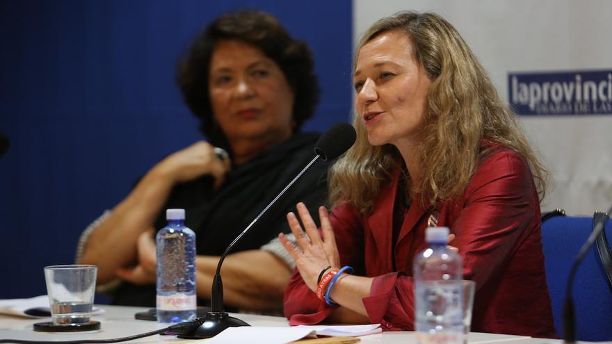 La magistrada Victoria Rosell junto a la periodista Herminia Fajardo.