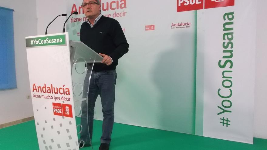 """Cornejo (PSOE) pide en Zahara de la Sierra apoyo para """"consolidar un camino distinto"""""""