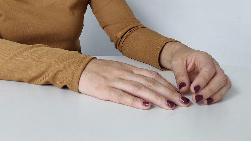Unas manos en una foto de recurso.