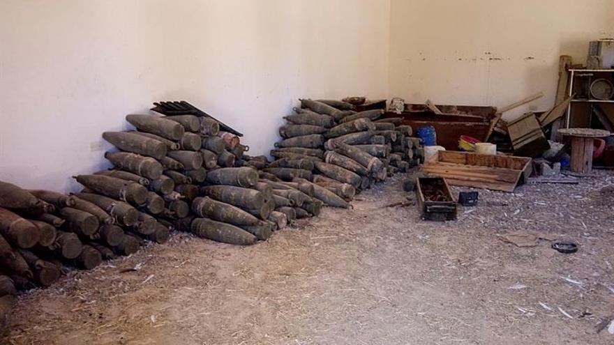 Las milicias libias destruyen 15 toneladas de armas de los yihadistas en Sirte