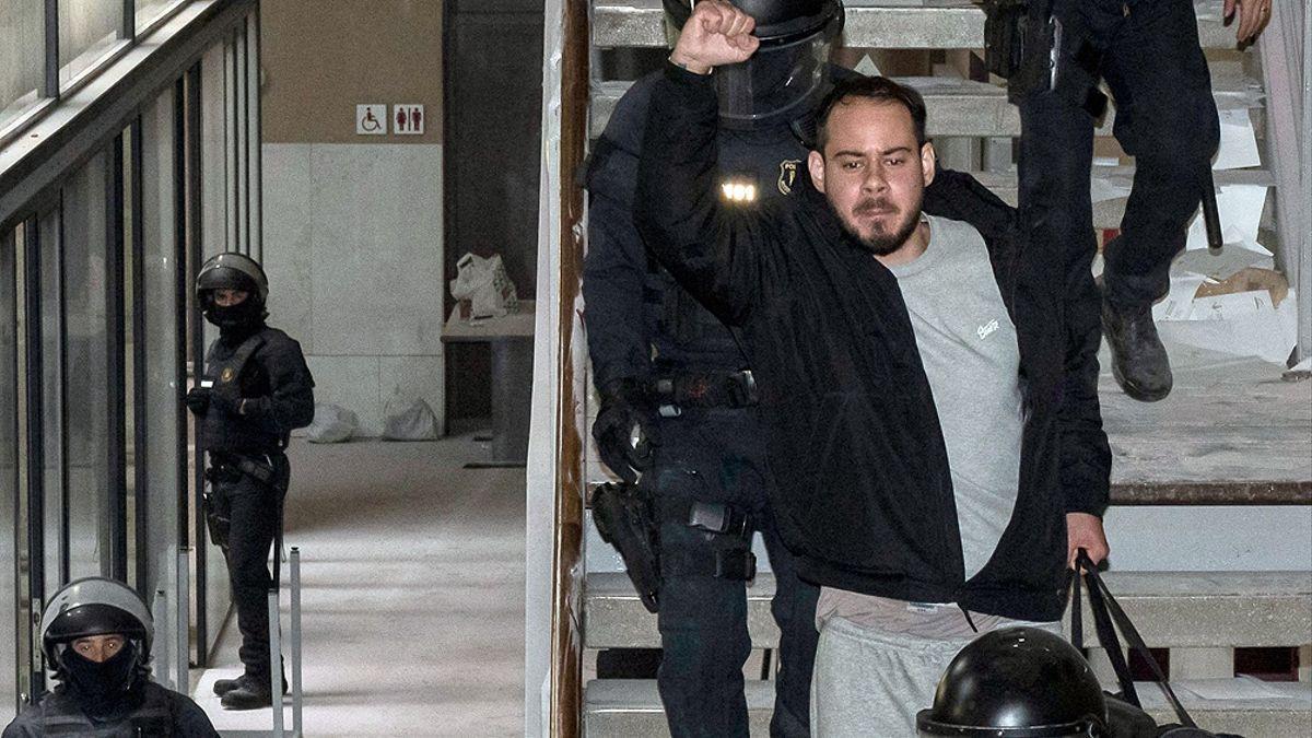 El rapero español Pablo Hasel en su detención