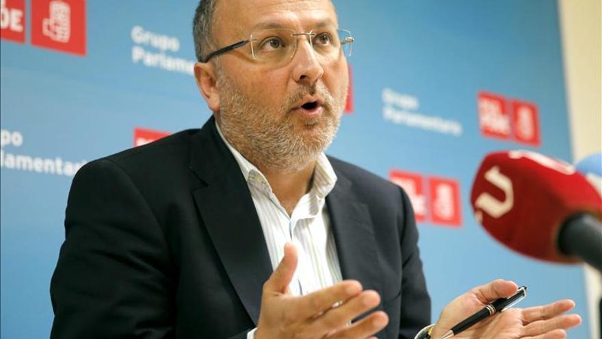 """Losada destaca las """"luchas despiadadas por el poder"""" en el PP Santiago y Ames"""