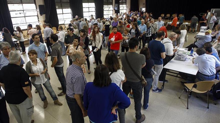 Junts pel Sí vencería las catalanas con 63-66 escaños, según el sondeo de TV3