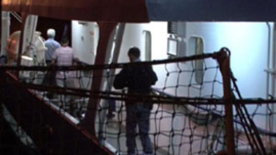 Detienen a dos polizones en el puerto de La Luz