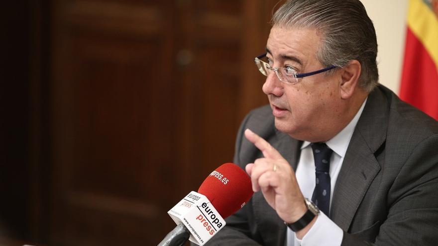 Zoido rechaza cambios en la política penitenciaria mientras ETA no se disuelva y los presos no asuman la legalidad