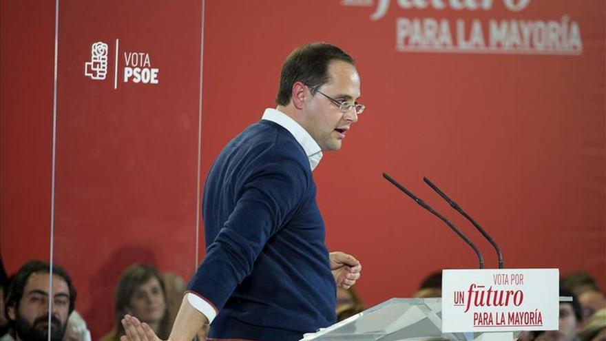 """Luena acusa a Podemos de """"hacer el caldo gordo a la derecha"""""""
