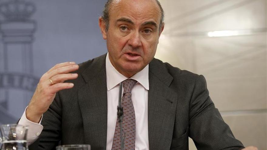 De Guindos recalcula el ahorro de la economía española en 15.000-17.000 millones