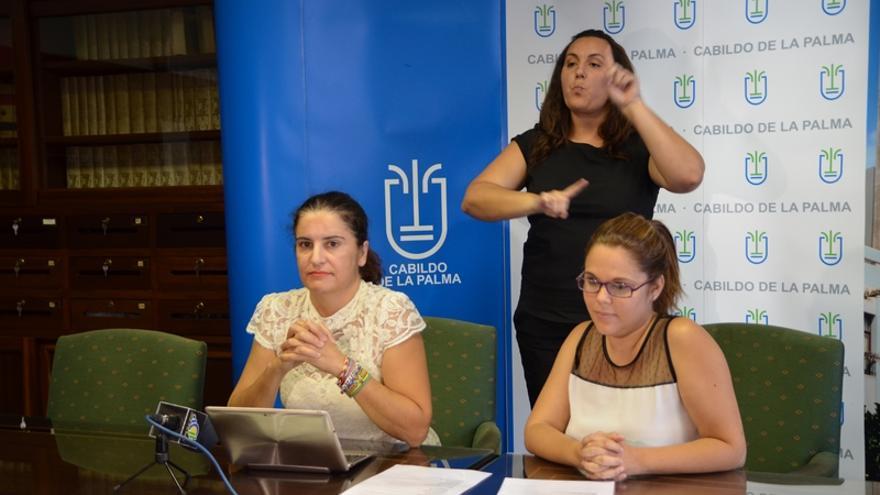 Jovita Monterrey y Victoria Martín, este viernes en la presentación de los actos.