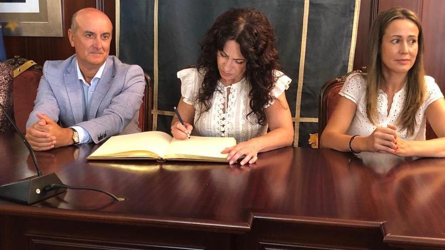 Igualdad ha remitido dos cartas al Gobierno para que convoque la comisión autonómica sobre los MENA