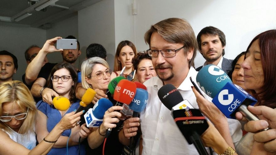 """Domènech cree que la reunión sobre el referéndum """"no hace fuerte"""" al soberanismo"""