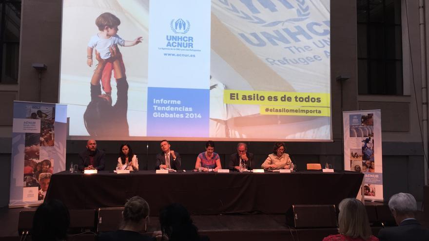 Representantes políticos participan en una mesa redonda sobre política de asilo organizada por Acnur. Foto: Alberto Ortiz