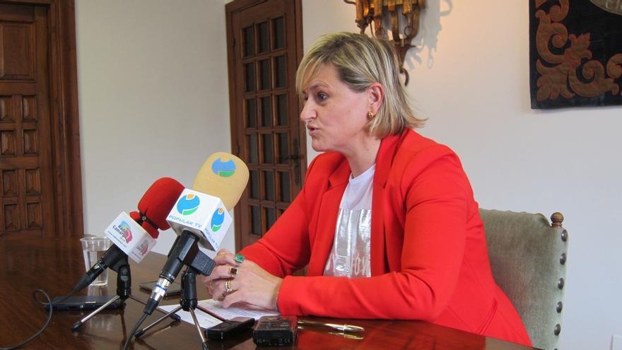 """La alcaldesa de Camargo critica la """"falta de humanidad"""" de quienes se han alegrado de la muerte del torero Víctor Barrio"""