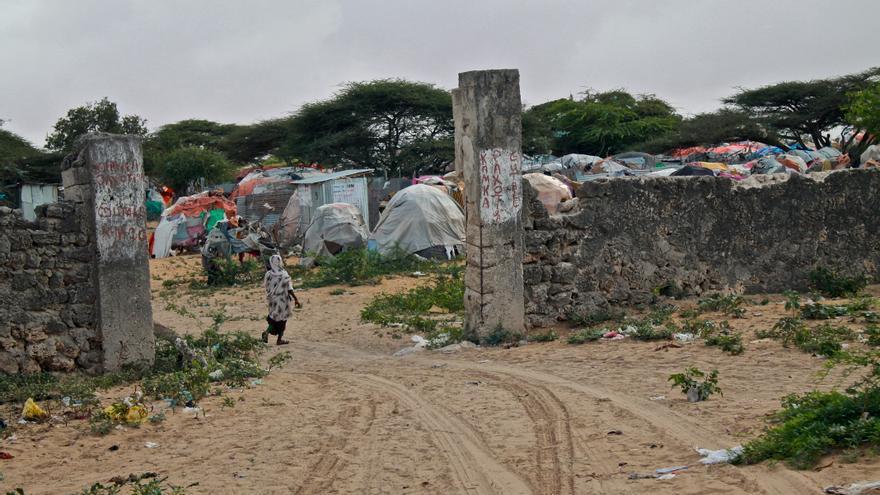 Entrada a uno de los campos de desplazados del valle del Shabelle