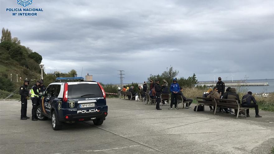 Detectados en el Puerto de Bilbao 34 albaneses en asentamientos ilegales que pretendían ir como polizones a Reino Unido