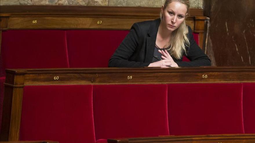 Le Pen critica por hipócrita la postura de Valls y Sarkozy sobre inmigración
