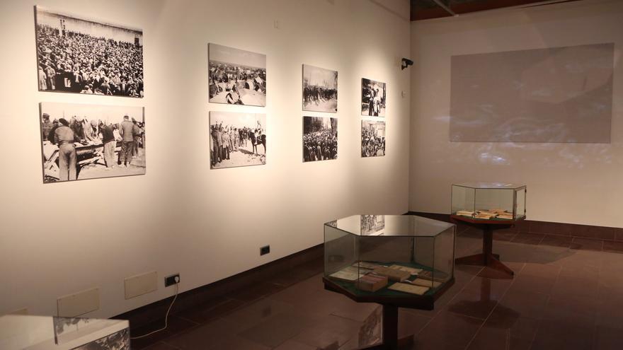 La Fundación Juan Negrín  acoge la inauguración de la exposición 'La Biblioteca Errante. Juan Negrín y los libros' (ALEJANDRO RAMOS)