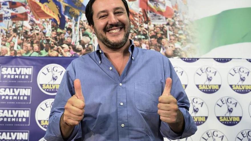 Salvini dice que el Aquarius con 629 inmigrantes se dirige ya a España