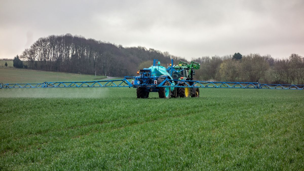 Tractor fertilizante