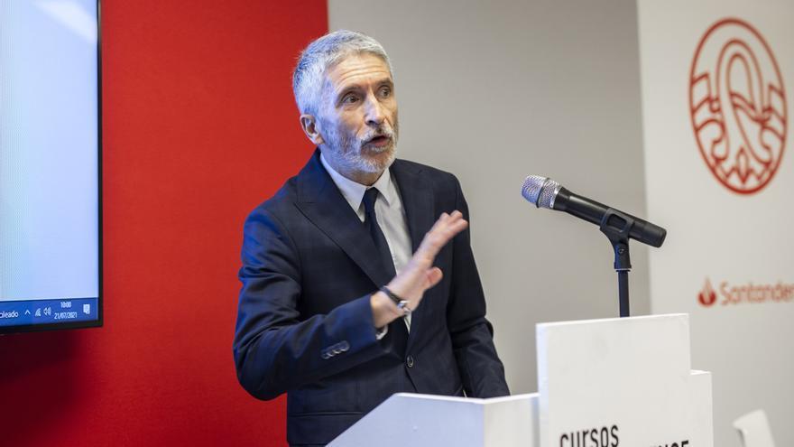 El ministro del Interior, Fernando Grande-Marlaska, imparte su ponencia 'Pensando en la seguridad pública en la próxima década', en el curso 'Retos y política de seguridad en España: Construyendo el modelo de la seguridad 2030', a 21 de julio de 2021.