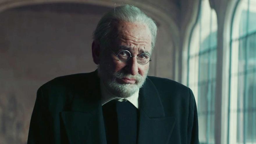 Karra Elejalde como Miguel de Unamuno
