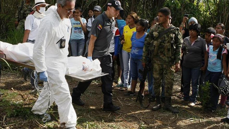 Tres militares y tres guerrilleros muertos en el noreste de Colombia