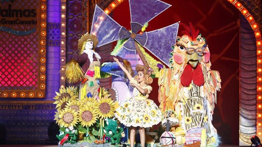 El Carnaval de Las Palmas de Gran Canaria celebra este domingo la Gala de la Reina Infantil y el Concurso Canino.