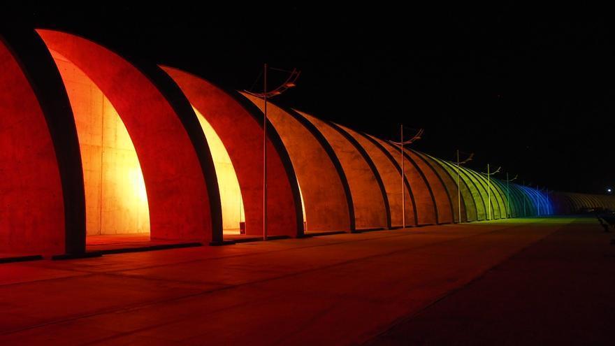 El puerto de Tazacorte se vistió este miércoles de colores. Foto: JOSÉ AYUT