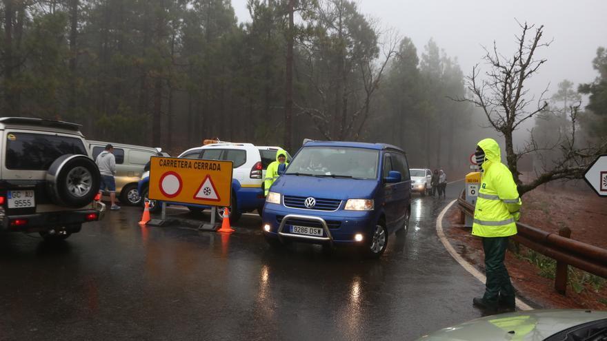Cerrados los accesos a la Cumbre de Gran Canaria.