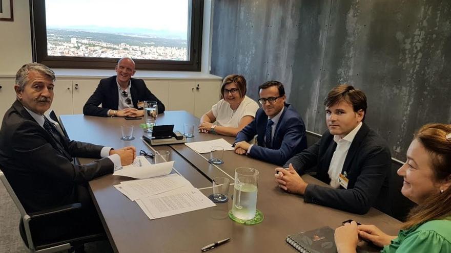 Reunión de los presidentes de las Diputaciones de Cáceres y Badajoz en Madrid /Diputación Badajoz