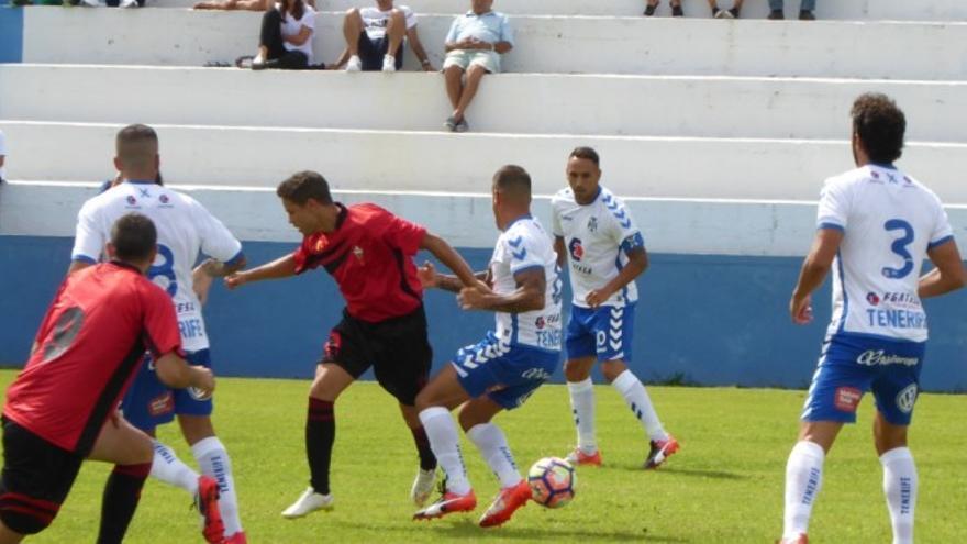 Partido entre el Mensajero y el CD Tenerife en el XXI Trofeo Isla de La Palma