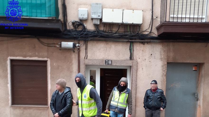 """Detenidos dos responsables de un punto de venta de drogas en Santander, que ha quedado """"erradicado"""""""