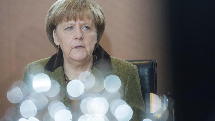 Merkel recuerda la independencia del BCE e insiste en seguir las reformas