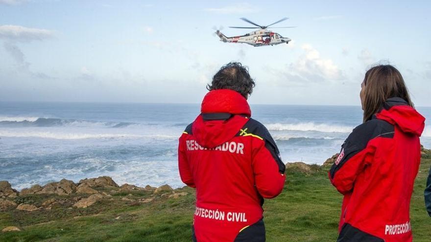 Concluye sin éxito el tercer día la búsqueda del vecino de Villaescusa desaparecido en la costa de Liencres