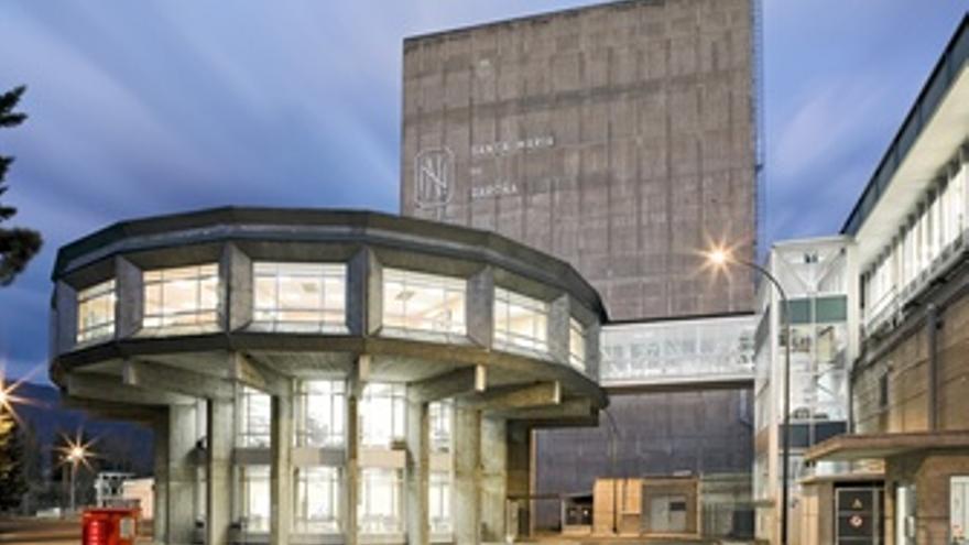 Exterior de la central nuclear de Santa María de Garoña