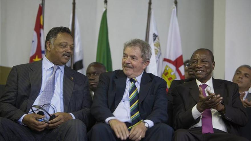 Lula, Jesse Jackson y Alepha Condé defienden en Brasil la igualdad racial