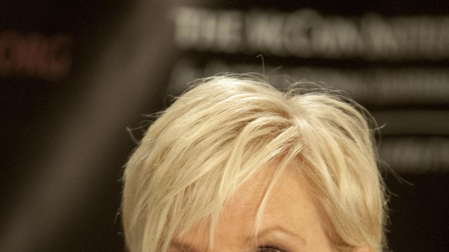 La viuda de John McCain alaba a Joe Biden durante la convención demócrata