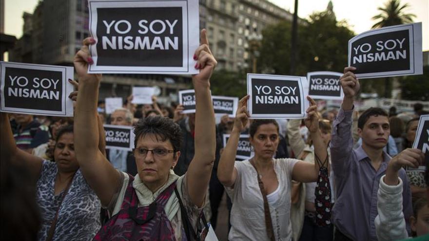 El 70 por ciento de los argentinos cree que el fiscal Nisman fue asesinado, dice un sondeo