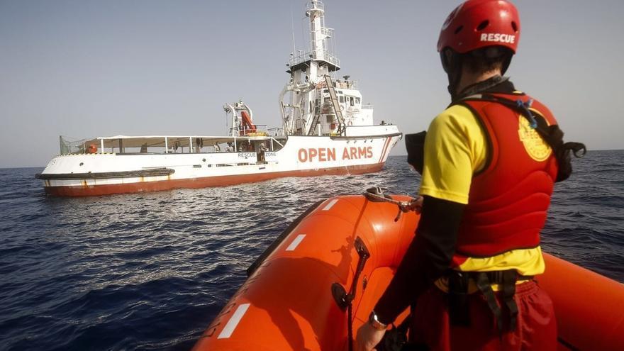 El Gobierno autoriza al 'Open Arms' a desembarcar a los 87 migrantes rescatados en el puerto de Algeciras