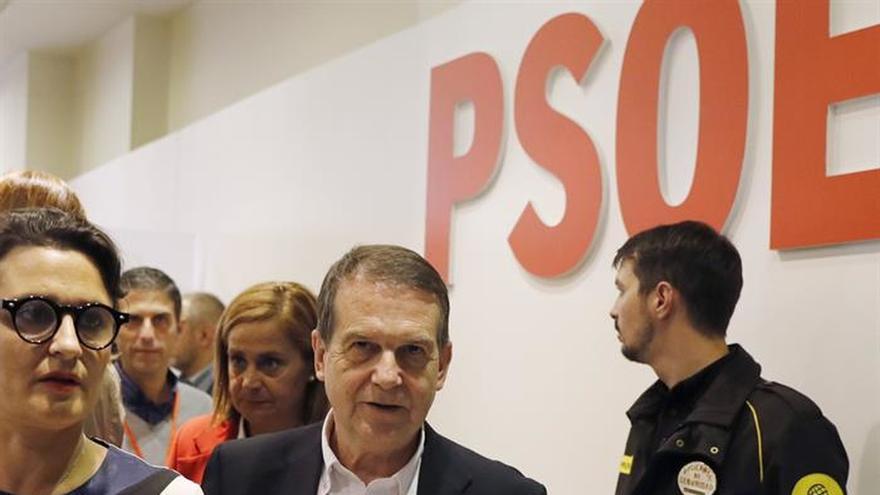 Abel Caballero apuesta por aplazar el congreso del PSOE y critica a Podemos