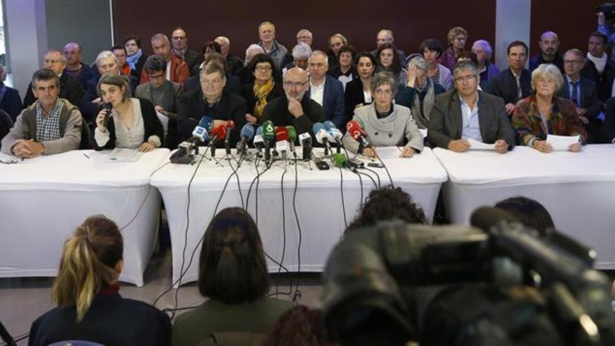 """Los """"mediadores"""" confían en que España y Francia no obstaculicen el desarme"""