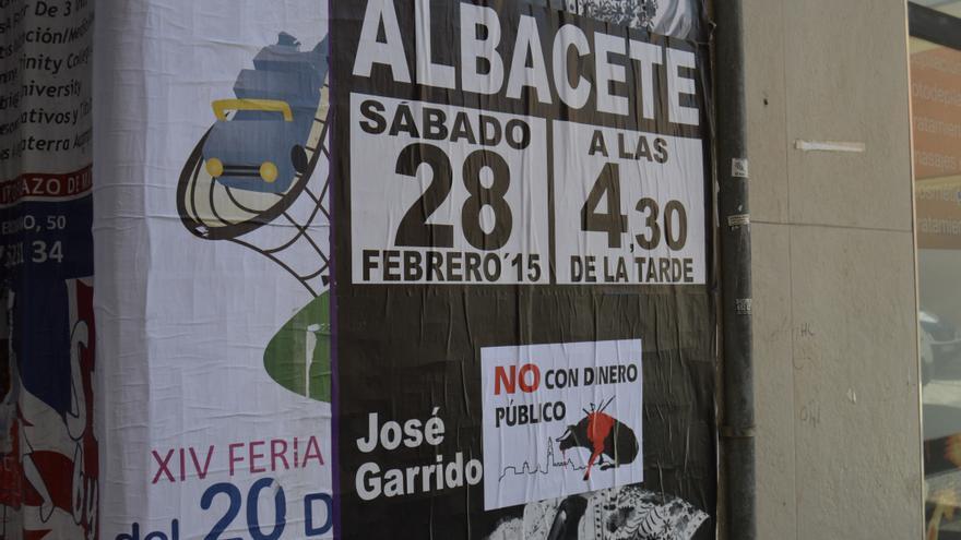 Cartel contra el festival taurino de Cospedal / Foto: Javier Robla