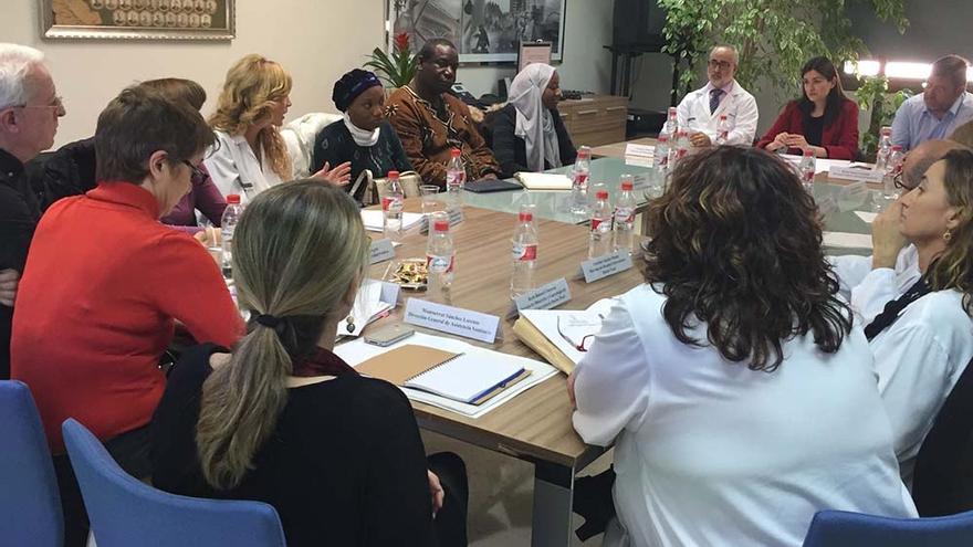 Un momento de la reunión mantenida en el Hospital Universitario Doctor Peset