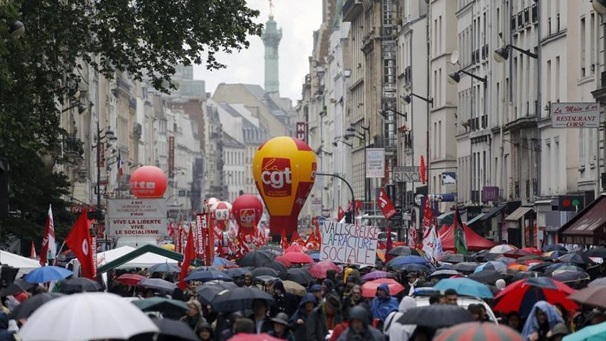 Los franceses se alzan el 1º de mayo contra la reforma laboral