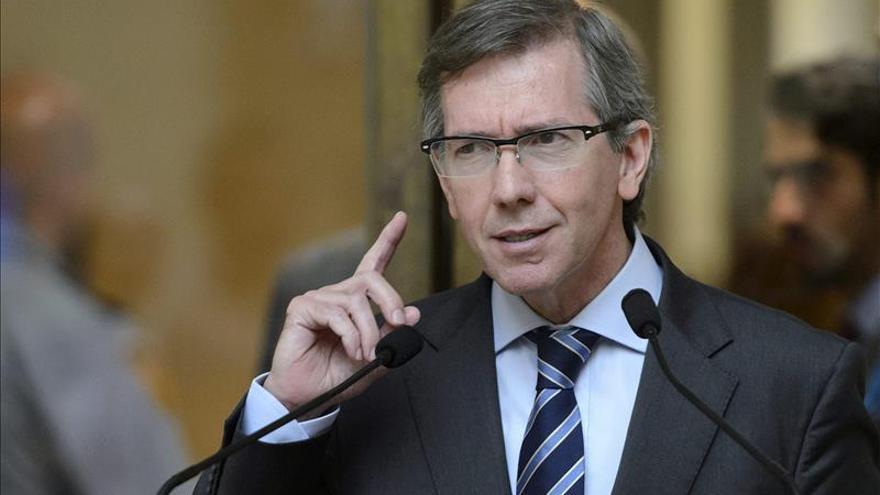 """El Gobierno felicita a Bernardino León por su """"excelente labor"""" en Libia"""