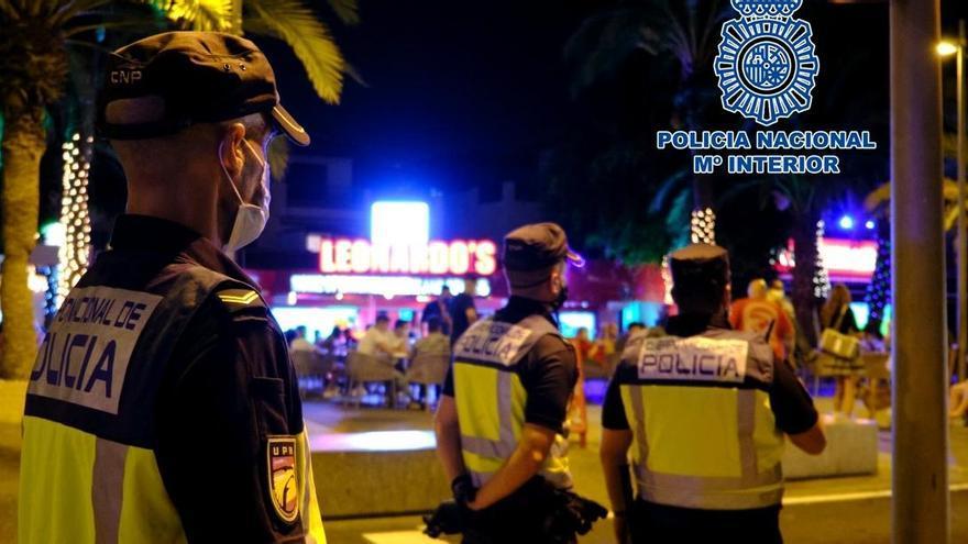 Actuaciones de la Policía Nacional para hacer cumplir las medidas sanitarias.