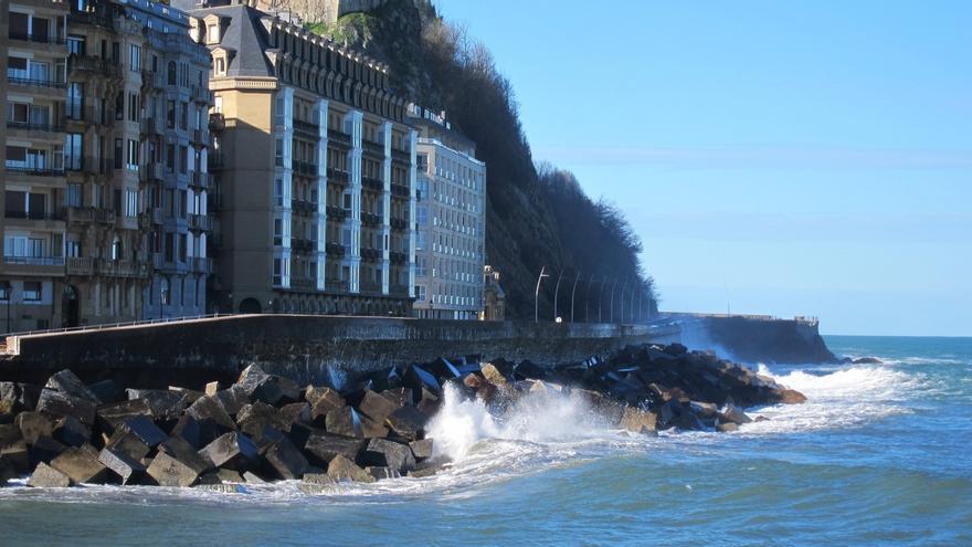Euskadi eleva este martes a naranja la alerta por riesgo marítimo costero