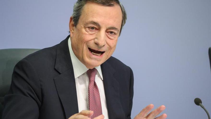 Draghi: El BCE analiza las consecuencias de la emisión de una moneda digital